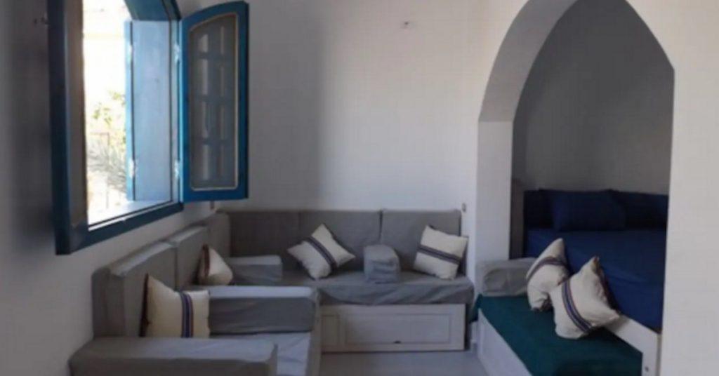 Athanor Lodge lounge