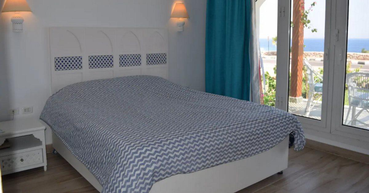 Domina Coral Bay Beach House bedroom