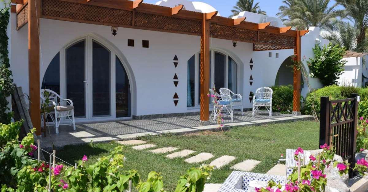 Domina Coral Bay Beach House outside