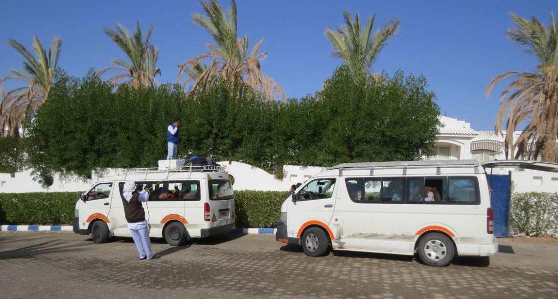 מוניות ותחבורה בתוך סיני
